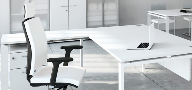 Executive-office-seating-in-white-with-black-accent