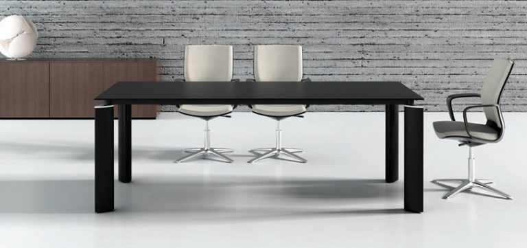 Office-meeting-room-Rectangular-table-with-Glass-Top-in-Black