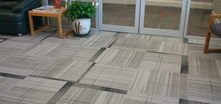 Reception carpet light grey geometrical design