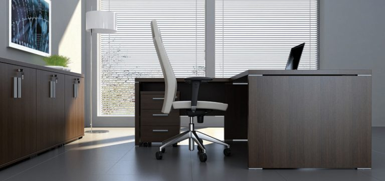 executive-office-desks-in-wood-with-pedestal-and-full-modesty-panel