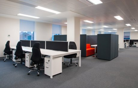 Apex-Office-Layout-White-Back-to-Back-Desks-with-Pedestals-and-Kleiber-Planet-Meeting-Pod